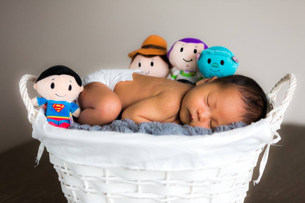theo-and-arya-newborn-photo-session-11